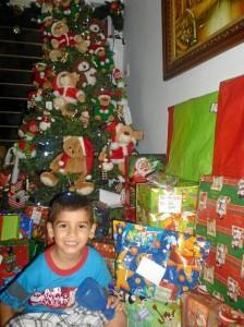 Sobrino de Matty Sarmiento Meneses compartiendo la Navidad.