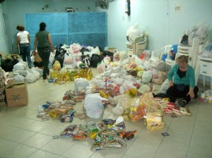 El año pasado el MPPC recogió mercados para los damnificados del invierno de Tona.