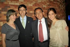 Martha Isabel Rey López, Víctor Hugo Parra Rey, Víctor Hugo Parra Reyes y Sindi Andrea Parra Rey.