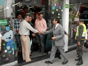Luego de su recorrido por el centro de Bucaraman-ga, donde ya se disfruta de andenes libres de ventas ambulantes, el alcalde trabaja en lo que se viene para Cabecera.