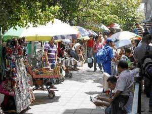 """El alcalde Luis Francisco Bohórquez dijo que en Ca-becera, """"en menos de lo que todos crean"""" se iniciarán labores de recuperación de espacio público."""