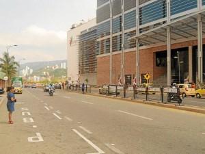 Las 15 vallas de la Alcaldía de Bucaramanga están en el separador de la transversal 93, frente a Torres de Monterrey y el Centro Comercial Cacique.