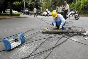 La Electrificadora de Santander, ESSA, atendió la emergencia para devolver en el menor tiempo el servicio de energía a la zona.