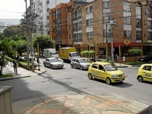 Residentes de este punto de la calle 45 se quejan por los pitos de los carros en las horas pico-.