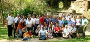 48 socios se reunieron en el parque La Flora con una ofrenda floral en honor al Rotary International. (Suministrada).