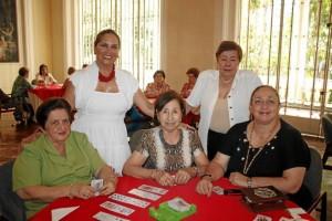 Eugenia Prada, Marina de Castillo, Yolanda de Hasbon, Bety Cote y Nidia Infante.