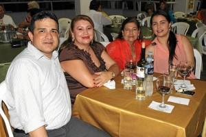 Edgar Fernando Pérez, Gladys Niño, Mary Luisa González de Pérez e Inés Ruiz.