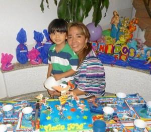 Mario José González Manosalva y su mamita Ana Milena Manosalva De La Rosa.