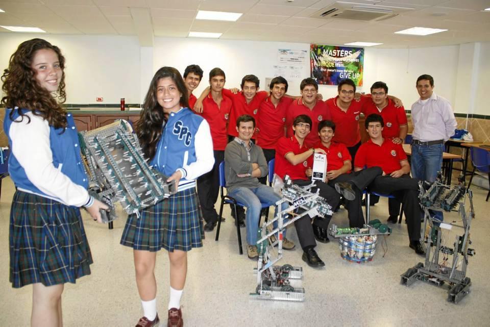Este es el equipo que viajará a Estados Unidos al Mundial de Robótica.
