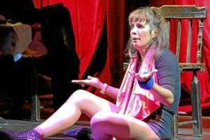 Luly Bosa 'se casará' en el teatro Corfescu