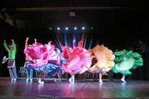 El IMCUT entrega becas culturales a artistas locales pa-ra su fortalecimiento y desarrollo.