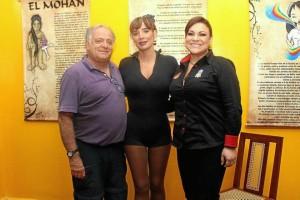 German Quintero, director de la obra; Luly Bosa y Sandra Barrera.
