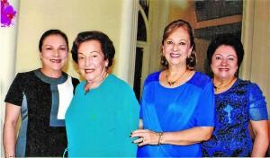 María Victoria Puyana de Núñez, Toñita Morantes de Pu-yana, Lucía Cristina Puyana de Torres y María Stella Pu-yana de Plata.