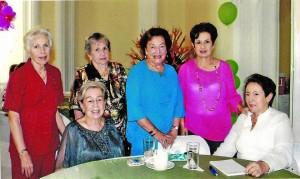 Eugenia Puyana de Clavijo, Lucila de Arias, Toñita Moran-tes de Puyana, Silvia Romero de Puyana, Isabelita Gast Puyana de Ríos y Maritza Puyana de Rojas.