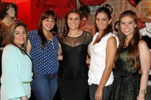 Martha Cáceres, Luisa Jaimes, Silvia Alejandra Pinto, Jenny Figueroa y Nina Martínez.