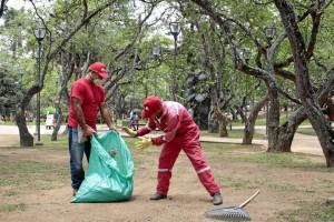 El parque San Pío, a pesar de la resequedad de sus prados, luce más bonito y limpio.