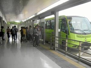 La queja se produjo por el mal estacionamiento de un alimenta-dor en la estación de transferencia oriental de Provenza.