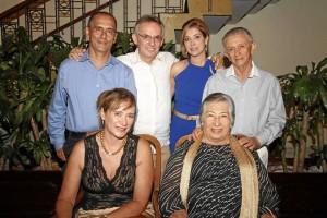 Martha Duran, Gilma de Durán, Carlos Herrera, Reynaldo Amaya, Luz Amparo Vera de Amaya y Jorge Durán.