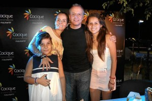 Karol Tatiana Carvajal, Carolina Rojas, Alberto Plaza y Valentina Rojas.