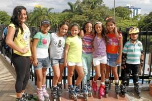 En Conucos Plaza: Luisa Gutiérrez, Sara Farfán, Valentina Fajardo, Gabriela Contreras, Alejandra Angulo, Isabela Rodríguez, Katherine Umaña y Luis Mi-guel Higuera.