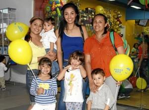 En Cabecera Cuarta Etapa: Santy Durán, Dylan Medina, Maryuri Sánchez, Pao-la Arenas, Mariana Pedroza, Valentina Saavedra y Nicolás Castro.