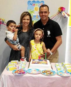 Óscar Tomás Hernández, Clara Isabel Serrano, María José Hernández y Óscar Gerardo Hernández.