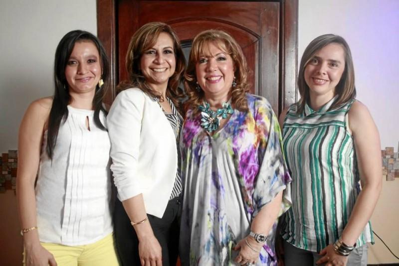 Nelly Johanna Navas Lozada, Lucía Patri-cia Morales Díaz, Teresa Eugenia Prada González y Andrea Marín Salas.