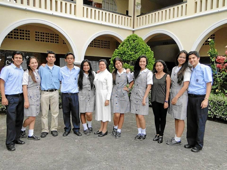 Este fue el grupo de estudiantes del semillero de investigación de La Presentación que participó en el encuentro nacional.