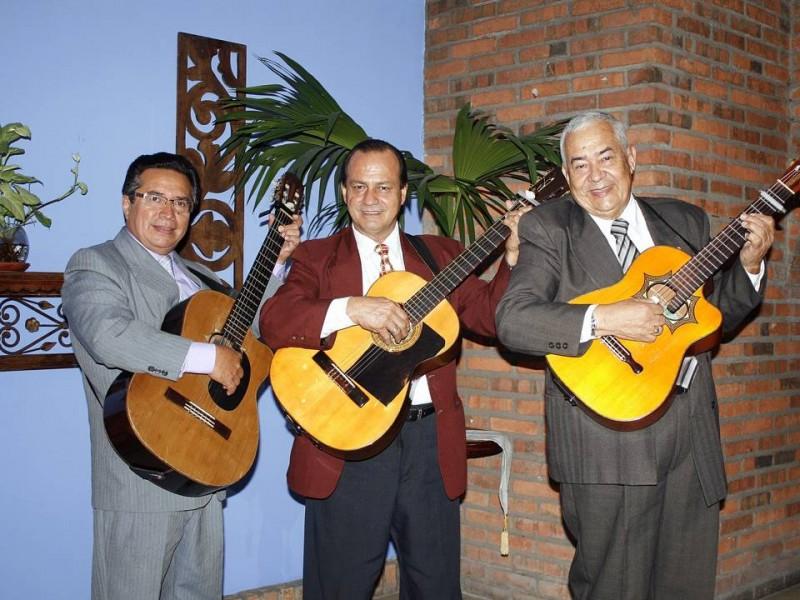 Gerardo Cortés, Reynaldo Benavides y Pedro Silva conforman hoy el trío Los Zafiros.