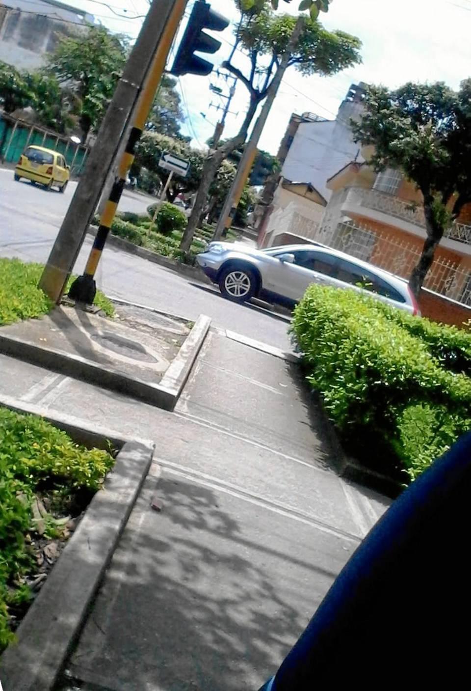 En otros casos hasta dejan estacionados los carros en estos sitios.