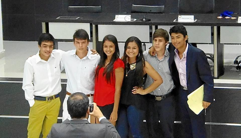 Semifinalistas de La Pre-sentación: Elías Jamza, Hermes Galvis, Estefany Rengifo, Manuela Guzmán, Hernán Álvarez y Santiago Forero.