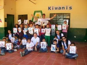 Los profesionales visitan una vez al mes la vereda Espinal Bajo, del municipio de Los Santos, donde hacen actividades con los niños. - Suministrada /GENTE DE CABECERA
