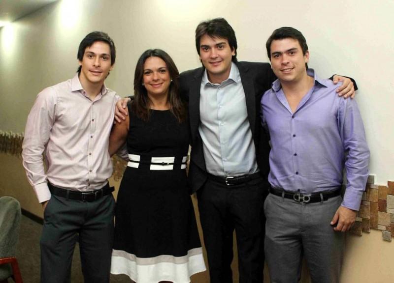Juan Sebastián Gamarra, Ana María Gómez, Juan Felipe Gamarra y Juan Carlos Gamarra. - Mauricio Betancourt / GENTE DE CABECERA