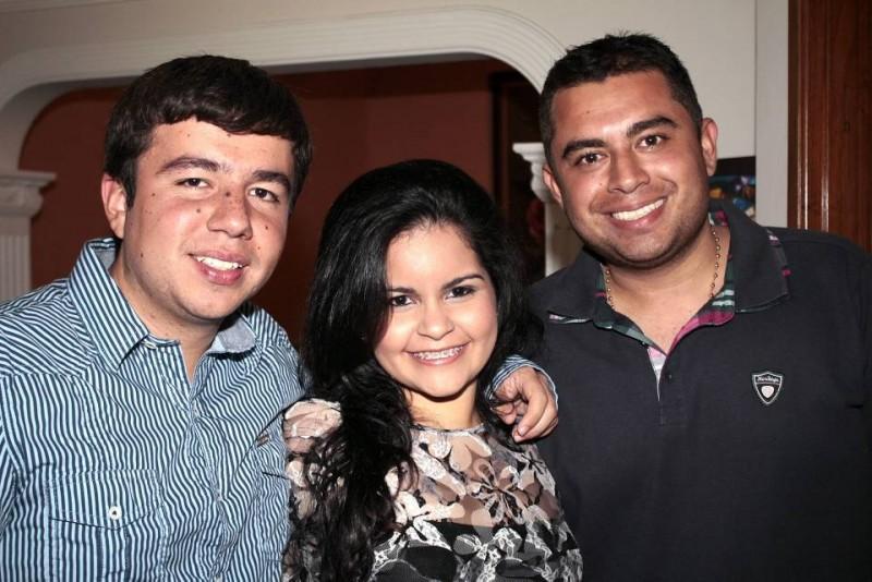 Juan Camilo Gutiérrez Corzo, María Andrea Castellanos Gutiérrez y Fredy Gutiérrez Gutiérrez. - Javier Gutiérrez /GENTE DE CABECERA