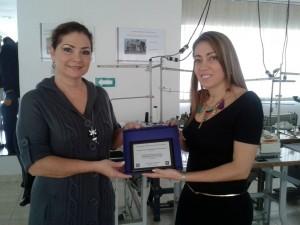 El premio fue recibido con orgullo por el programa de Diseño de Modas de la universidad. - Suministradas /GENTE DE CABECERA