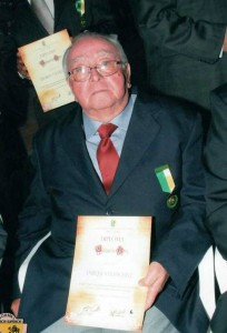 José Enrique Santos Jerez se destacó siempre por su entrega a la docencia en varias instituciones de Santander. - Ssministrada / GENTE DE CABECERA