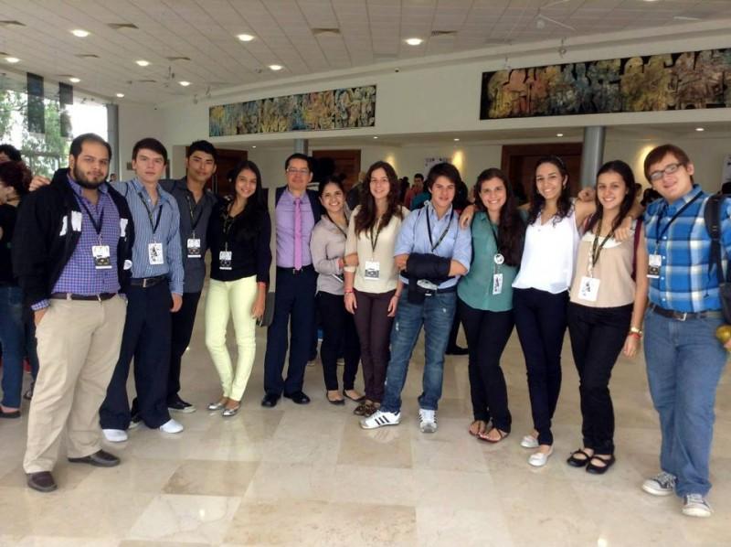 Estudiantes de La Presentación y el San Pedro Claver se unieron para representar a Santander y a Colombia en el certamen internacional