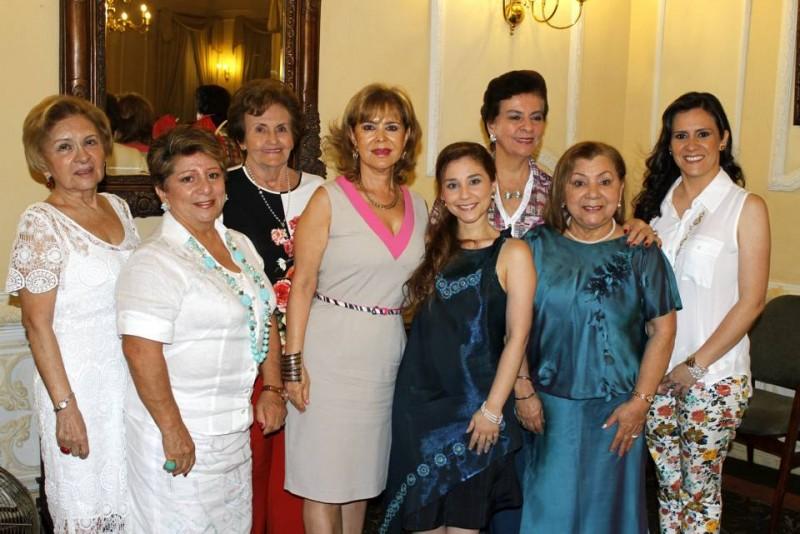 Ligia de Cortés, Gilma de Díaz, Trina de Prada, Martha de Figueroa, María Paula Osorio, Sofía Uribe de González, Ángela de Osorio y Claudia Monsalve. - Nelson Díaz  / GENTE DE CABECERA
