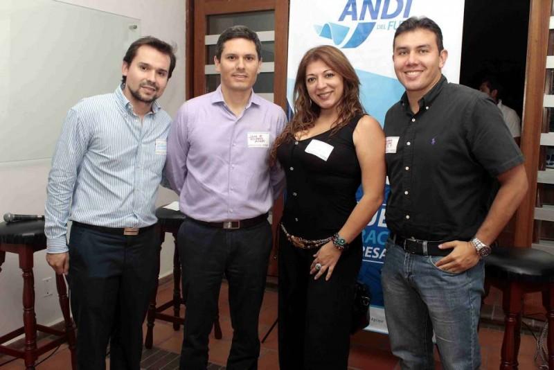 Hugo Armando Rodríguez, José Roberto Álvarez, Silvia Pérez y Andrés Trillos. - Manrucio  Betancourt /GENTE DE CABECERA