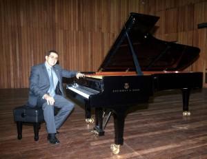 Una de las galas de Andrés Corena (foto) será el viernes 23 de agosto, a las 5 p. m. en la Escuela Normal Superior. - Suministrada / GENTE DE CABECERA