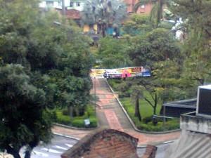 La pancarta está en el centro del parque Las Palmas. - Suministrada /GENTE DE CABECERA
