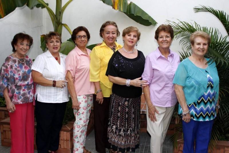 Belén María Mejía, Yamile Chaín, Tulia Peluffo, Dora Eliana Prada, María Helena de Cáceres, María Inés Rueda y Blanca Cecilia López. - Nelson Díaz / GENTE DE CABECERA
