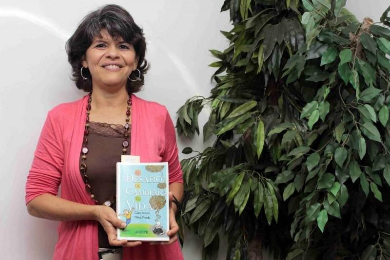 Clara Arenas ayuda a buscar herramientas para cambiar estilos de vida con su libro 'El desafío de cambiar tu vida'