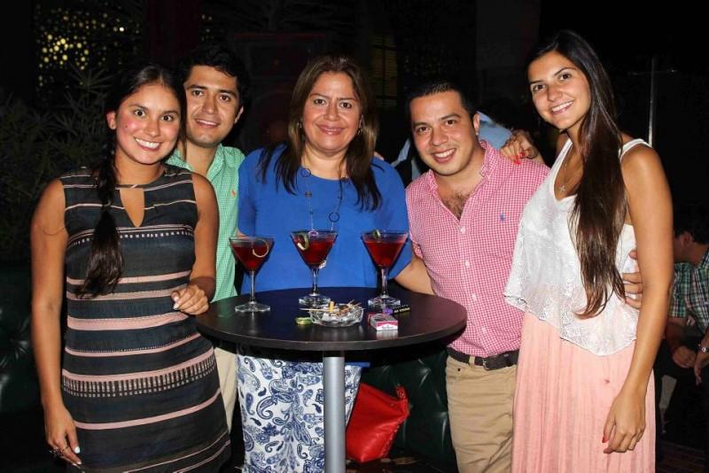 Daniela  Dukon, Felipe Cardozo, Gladys Rangel, Iván Carreño y Natalia García. - Mauricio Betancourt / GENTE DE CABECERA