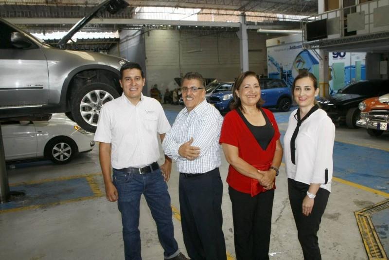 La familia Velásquez amplió las instalaciones del taller en 1996 distribuyendo, adecuando y apropiando cada espacio físico para cada necesidad