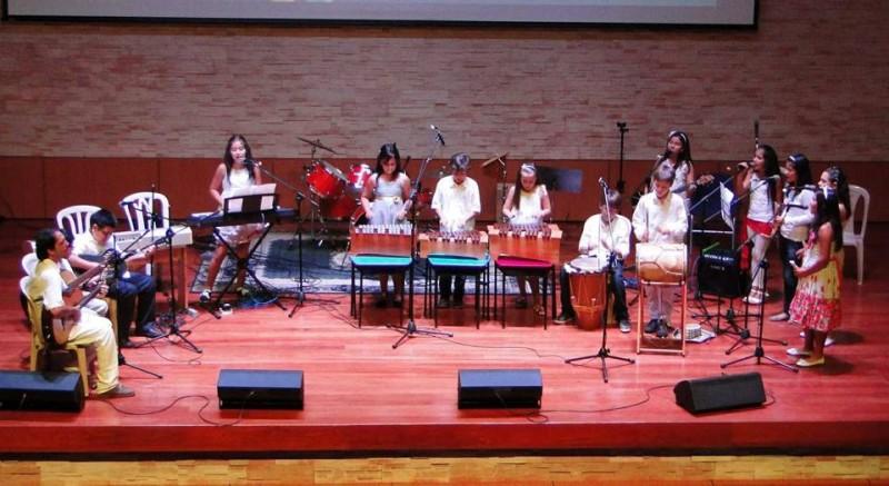 Los estudiantes participaron en el Cuarto Festival de Música Colombiana, en el marco de la Semana Cultural.