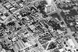 No había edificios. Las casas rodeaban el parque Las Palmas en los años 60 y 70