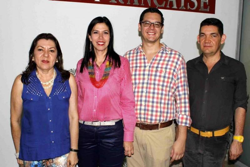 Amparo Caballero, Claudia Janeth Fernández, Manuel García y Ciro Caballero. - Nelson Díaz / GENTE DE CABECERA
