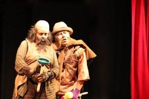 La obra tiene algunos elementos del teatro del absurdo, el relato original es un homenaje de José Sanchís Sinisterra al dramaturgo irlandés Samuel Beckett.  - Suministrada / GENTE DE CABECERA