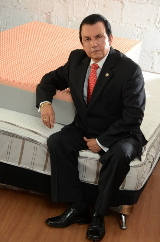 Isnardo Guarín dirige las riendas de Espumas Santander desde 1999